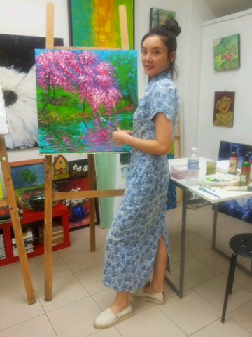 art classes singapore - art jamming girl with painting